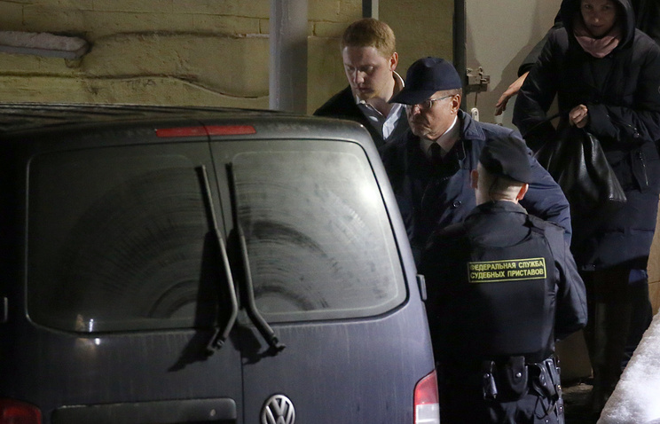 Alexey Ulyukayev leaving Moscow's Basmanny district court after a hearing