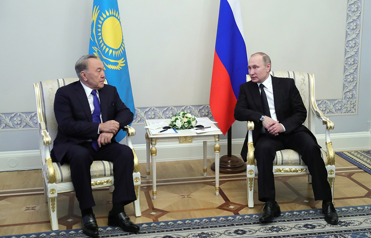 Kazakhstan's and Russian presidents, Nursultan Nazarbayev and Vladimir Putin