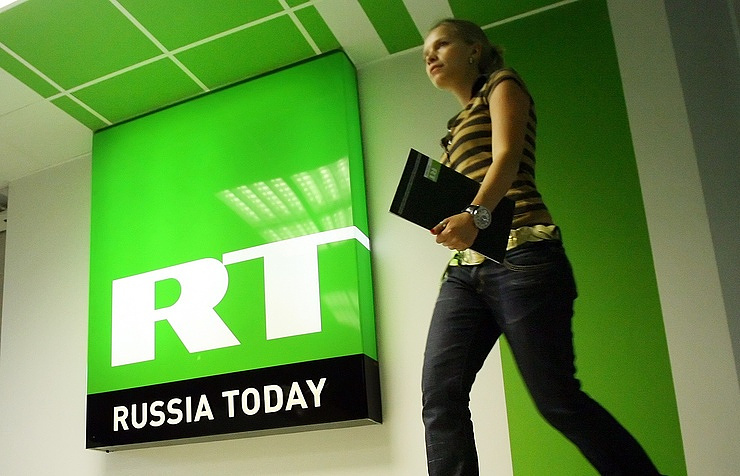 Russian Federation  targets USA  media in row over RT registration