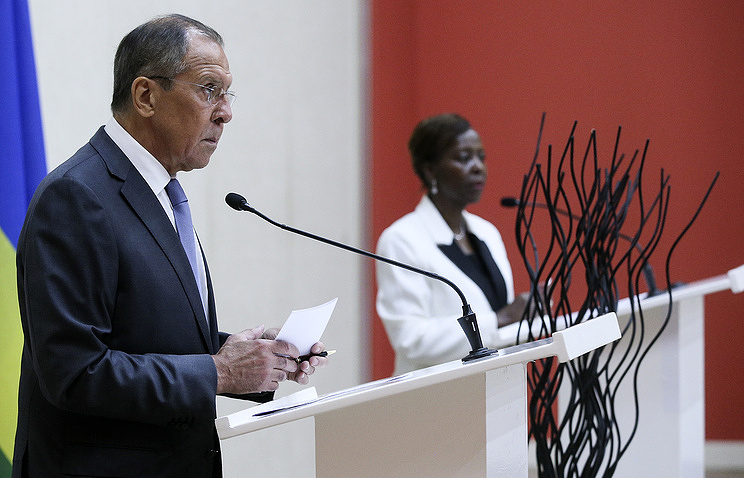 Russia's Foreign Minister Sergey Lavrov and the Minister of Foreign Affairs and Cooperation of Rwanda Louise Mushikiwabo