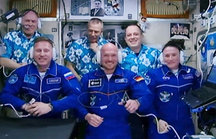 German, US, Russian Crews Dock With Space Station