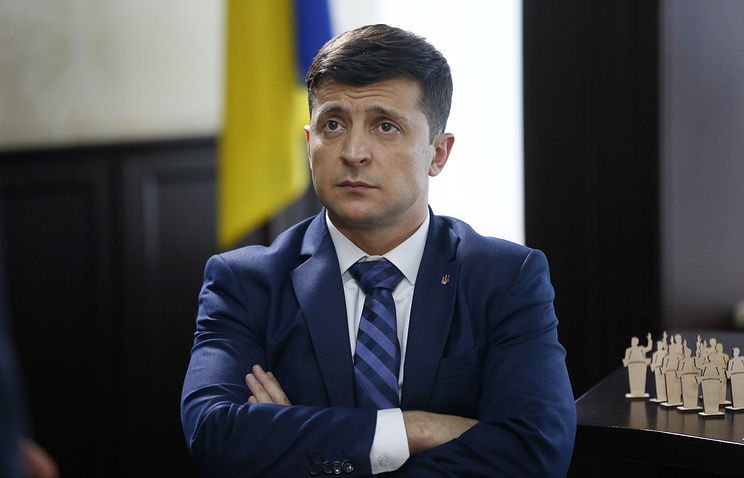 Ukraine election: comedian challenger poised to have last laugh after stadium showdown