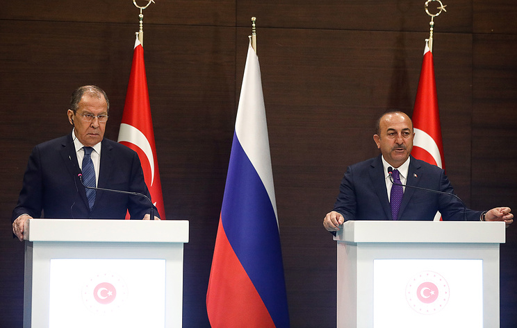 Russian Foreign Minister Sergey Lavrov and Turkish Foreign Minister Mevlut Cavusoglu
