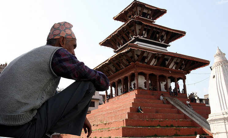 A combo of a picture (above) taken on 2008 April showing the Basantapur in Kathmandu, Nepal before the 25 April 2015 earthquake and a picture (below) taken on 20 May 2015 showing the Basantapur in Kathmandu after the 25 April 2015 earthquake. The death toll rose to 117, authorities said, separate from the 8,202 victims claimed by the April 25 earthquake. EPA/HARISH TYAGI