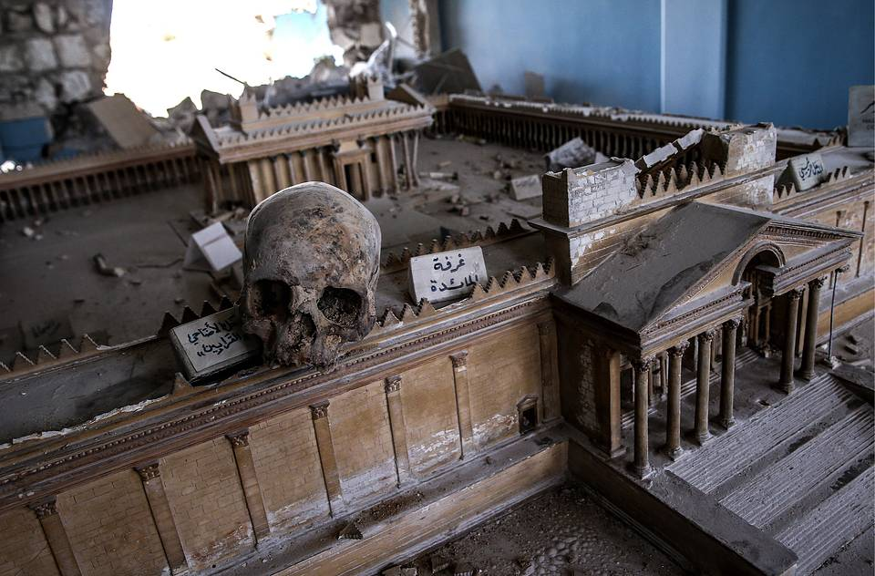 A damaged exhibit at the National Museum in Palmyra, April 2, 2016 Valery Sharifulin/TASS